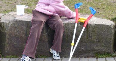 Грижите за човек с увреждания ще се счита за трудов стаж