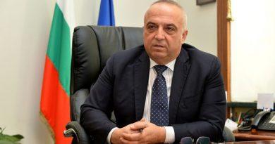 Председателят на КРС Иван Димитров се е самонаградил с близо 20 000 лв