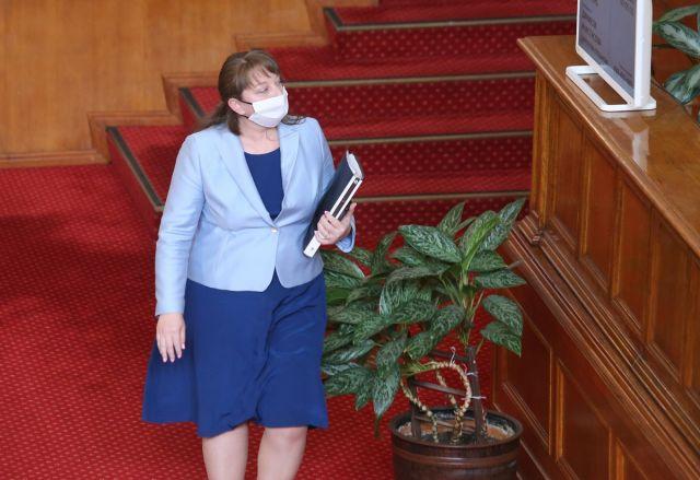 Бизнесът: Нека Деница Сачева живее с 24 лева на ден
