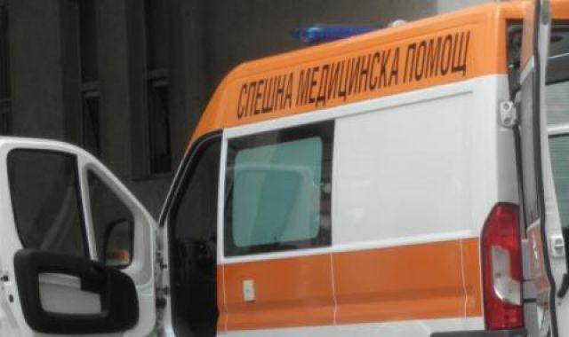 Полицаи спасиха жена с коронавирус, била е оставена без лекарски грижи